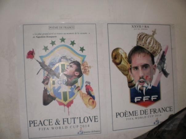 Neymar e Ribery ritratti in versione giocate a calcio non fate la guerra, per le strade di Rocinha #finestrasullafavela #pacificazione