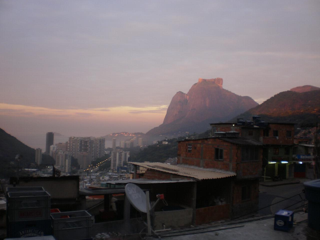 Alba della favela Rocinha #Finestrasullafavela