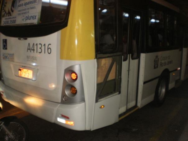 pronto intervento in #favela #autobus #finestrasullafavela