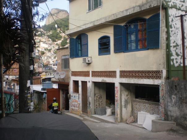 Garagem das Letras Rocinha - opere in corso