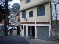 favela Rocinha - Il Garage letterario de Il Sorriso dei miei Bimbi - Garagem das Letras