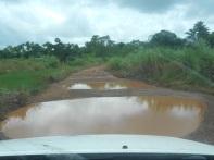Strade per i villaggi dopo le piogge