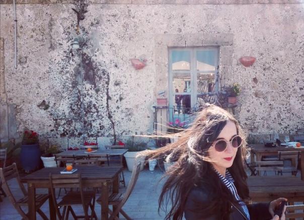 Alessia in favela